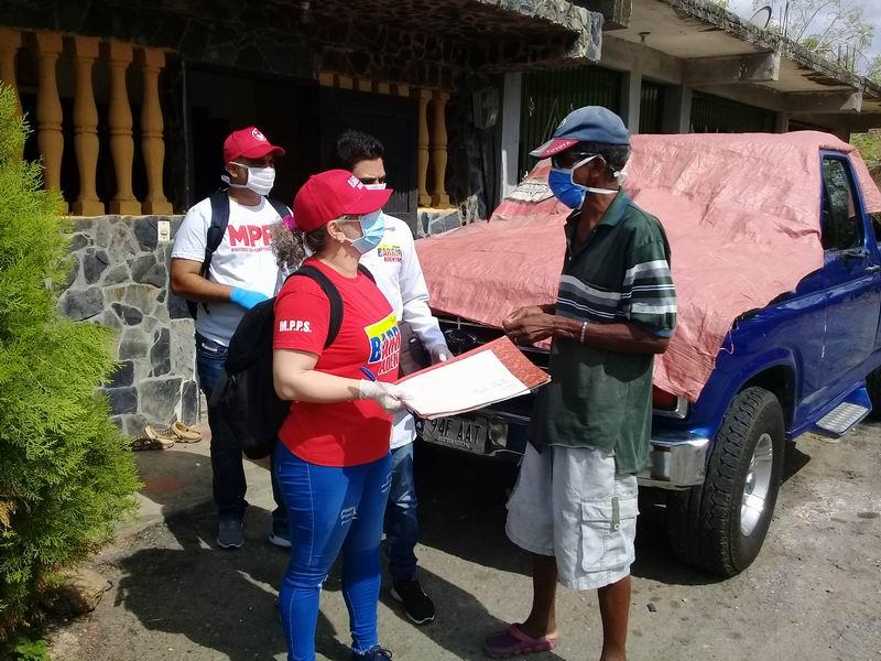 Médicos cubanos, más cerca del pueblo