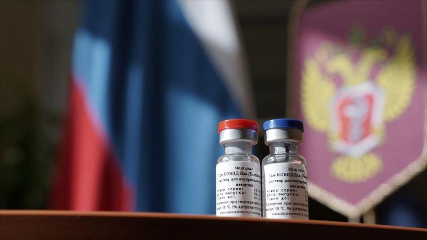 Admiten expertos británicos validez de vacuna rusa contra la COVID-19