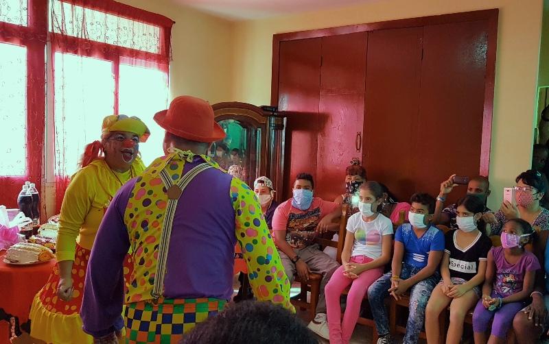 Artesanos y artistas, padrinos para niños sin amparo familiar en Camagüey (+Audio)