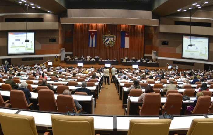Cuban economy falls 11% in 2020