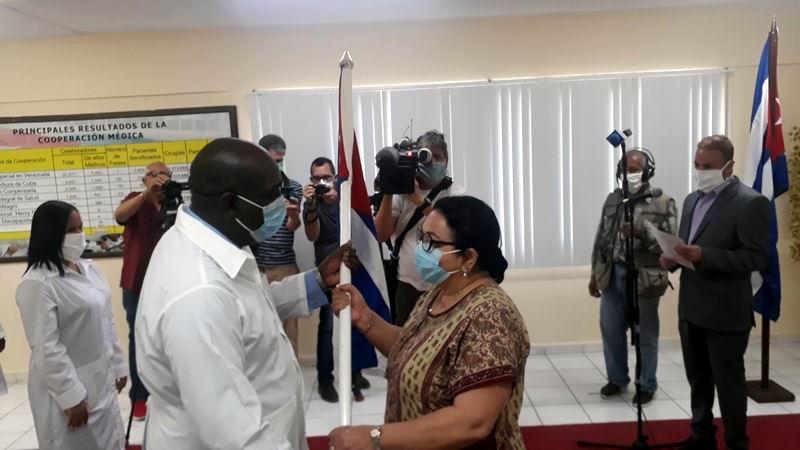 En Audio: Médicos cubanos combatirán la COVID-19 en Togo