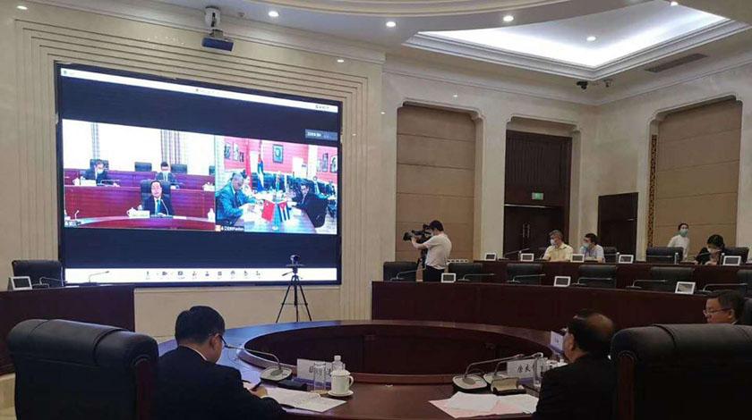 Cuban ambassador exchanged with mayor of the Chinese municipality of Chongqing