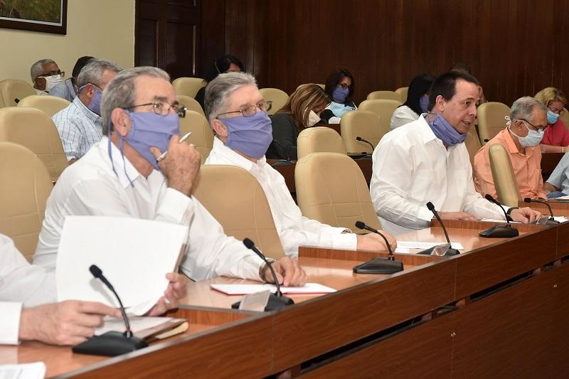 Díaz-Canel: Frente a la COVID-19 el aislamiento social es la mejor manera de protegernos