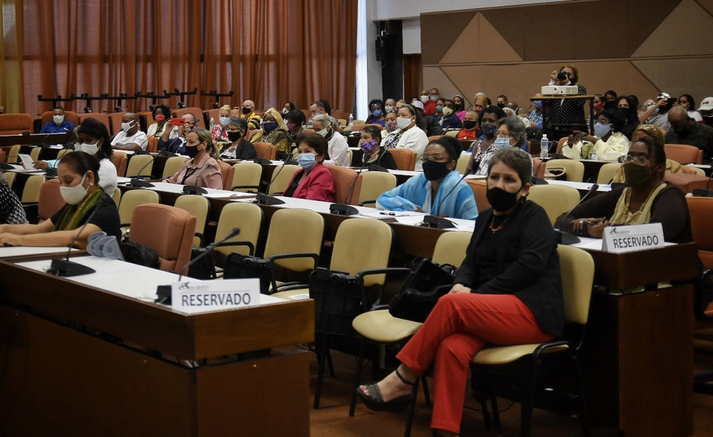 Reconocen esfuerzo de dirigentes cubanos en la atención a las personas con discapacidad