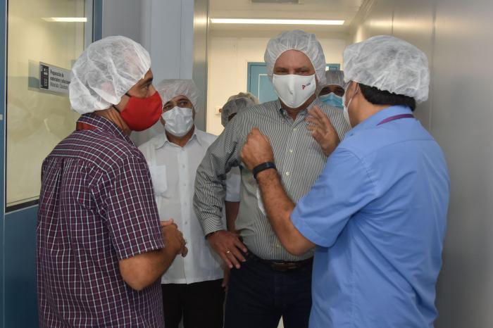 Recientemente el presidente cubano participó en la inauguraciòn de la Planta de Producción de Péptidos Sintéticos en el Centro de Ingeniería Genética y Biotecnología, centro cuya creación fue impulsada por Fidel.