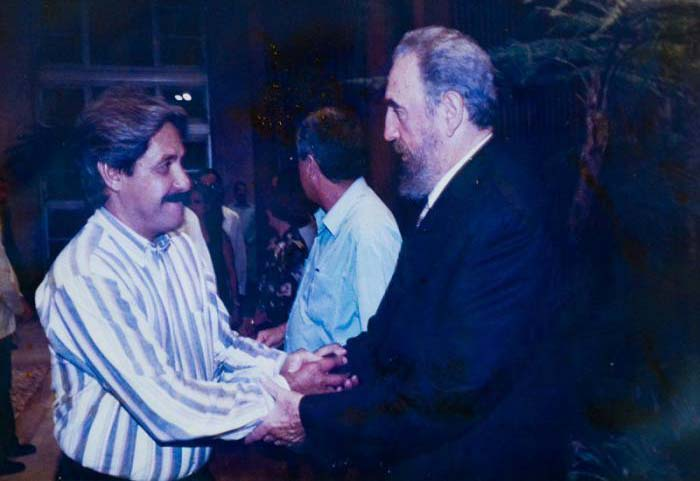 El Dr. Francisco Durán García, Jefe Nacional de Epidemiología del MINSAP, tuvo la posibilidad de intercambiar con el Comandante en Jefe, Fidel Castro, sobre el modelo de enseñanza en las Ciencias Médicas.