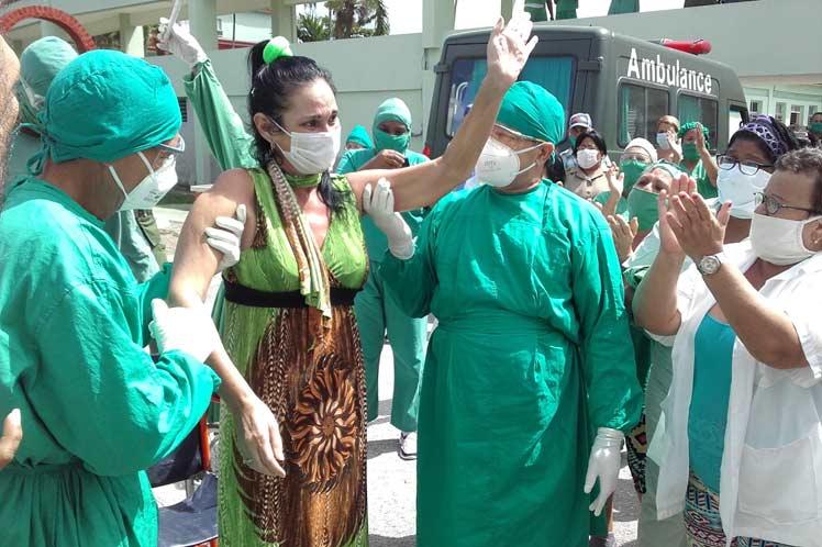 Yaquelín Collazo, la enfermera villaclareña, ha sido una de los tantos pacientes recuperados de la COVID-19 gracias al sistema de salud cubano.