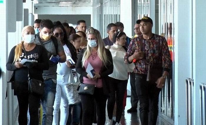 Garantiza el gobierno regreso seguro de unos 1 700 cubanos varados en Haití y Guyana