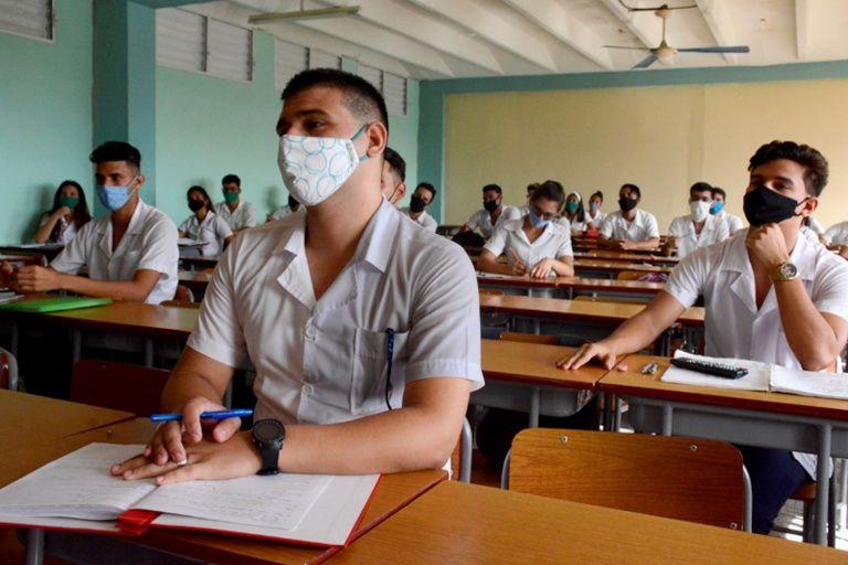 Informan adecuaciones del curso escolar en Ciencias Médicas (+Audio)