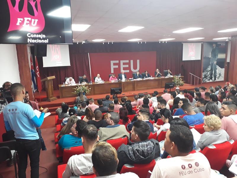 Asistió Díaz-Canel al Consejo Nacional de la FEU