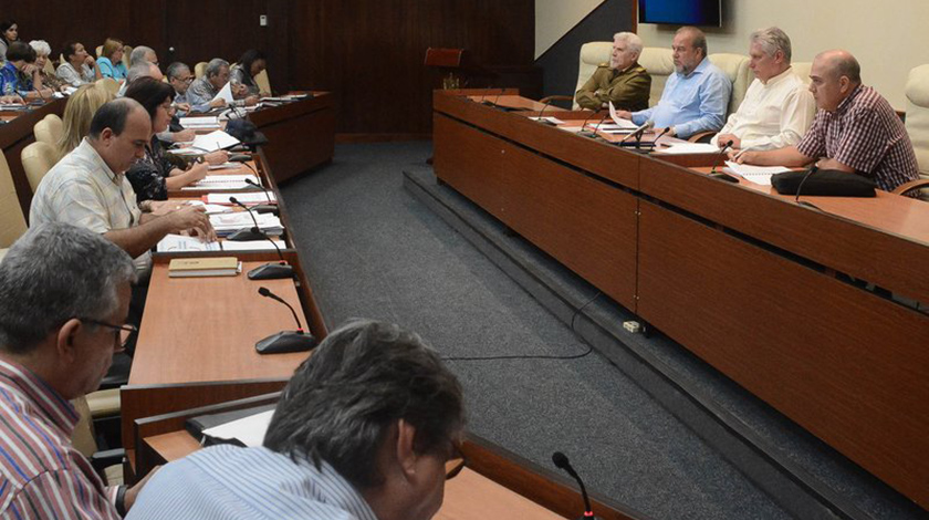 Encabezó Presidente cubano reunión de prevención, asistencia y trabajo social (+Video)