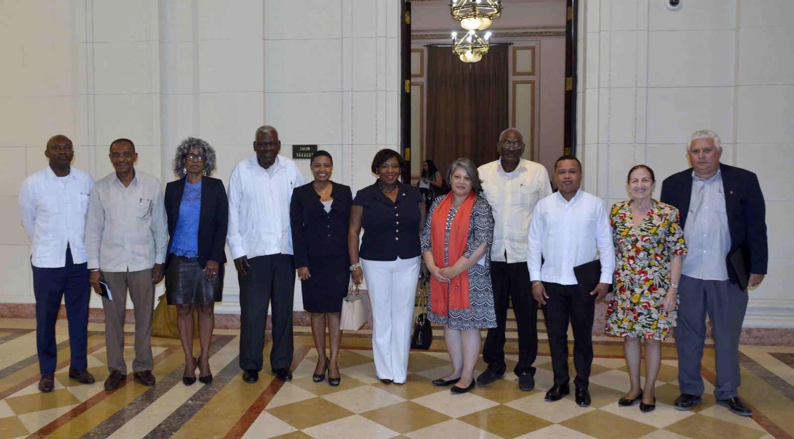 Intercambió Esteban Lazo con embajadores de naciones del Caribe