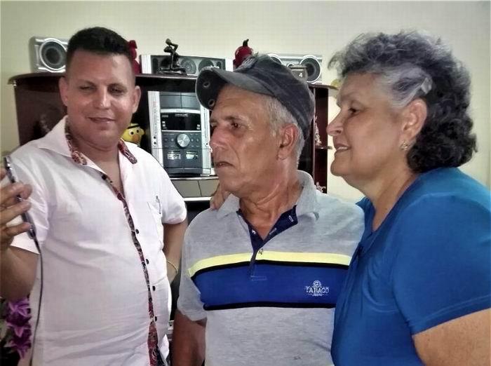 La familia del joven doctor Jorge Luis Quiñones Aguilar
