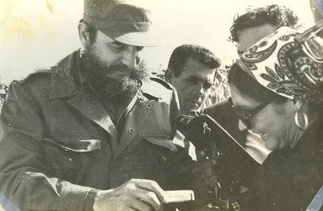 """Fidel Castro en el aeropuerto """"Jaime González"""", de Cienfuegos."""