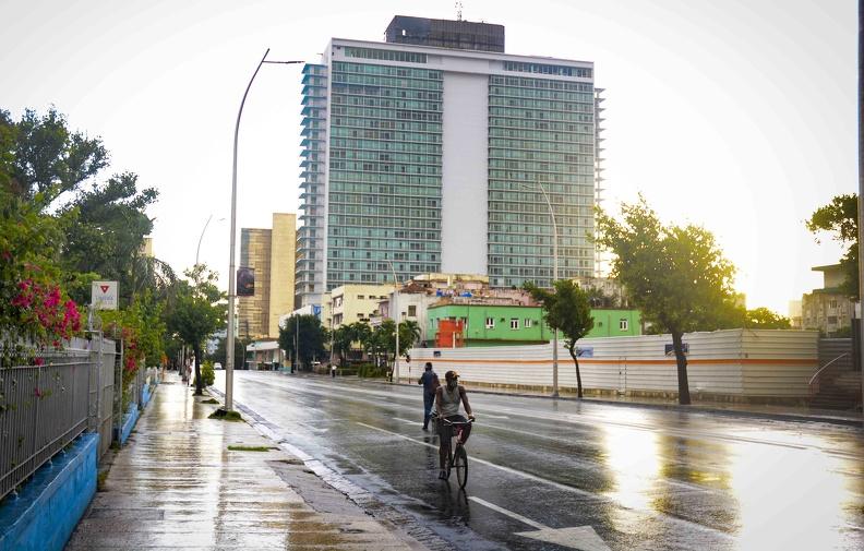 La Habana se recupera tras el paso de Laura