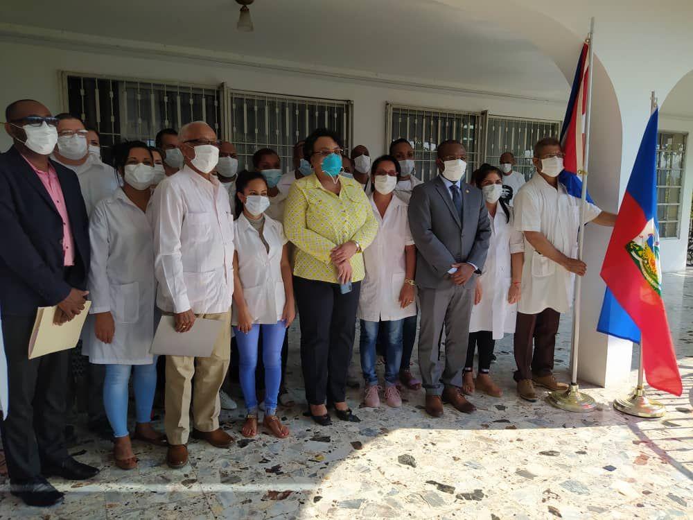 """En Haití, """"primero Dios y luego los médicos cubanos"""""""