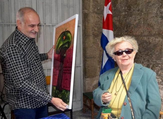 Entregan a la Dra Graziella Pogolotti Premio a la Dignidad