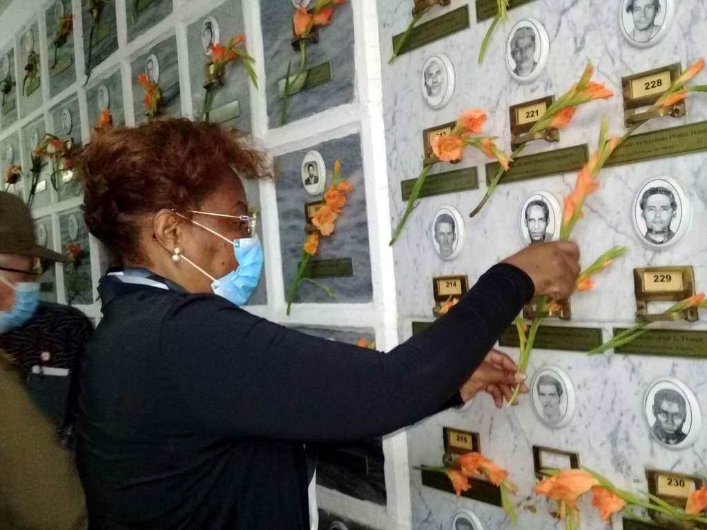 Embajadora de Angola en Cuba rinde homenaje a internacionalistas cubanos (+Audio)