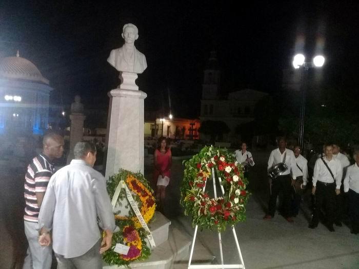 Raigales tradiciones patrias vibraron en voces de intérpretes y actores, un sensible homenaje desde Manzanillo a José Martí, en el aniversario 167 de su nacimiento