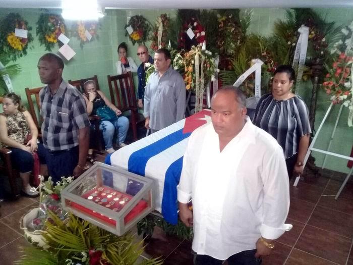 Homenaje póstumo a revolucionario de Granma