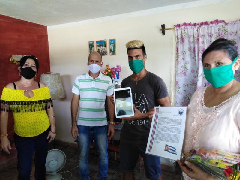 Movimiento obrero de Las Tunas reconoció al semanario Trabajadores a través de un internacionalista