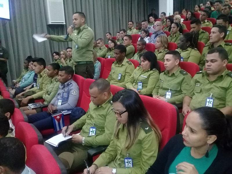 Jóvenes militantes del MININT comprometidos con la continuidad de la Revolución