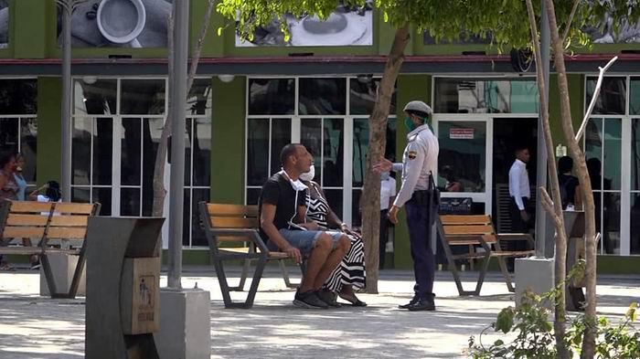 Ante la COVID -19 la Policía cubana se suma a salvar vidas