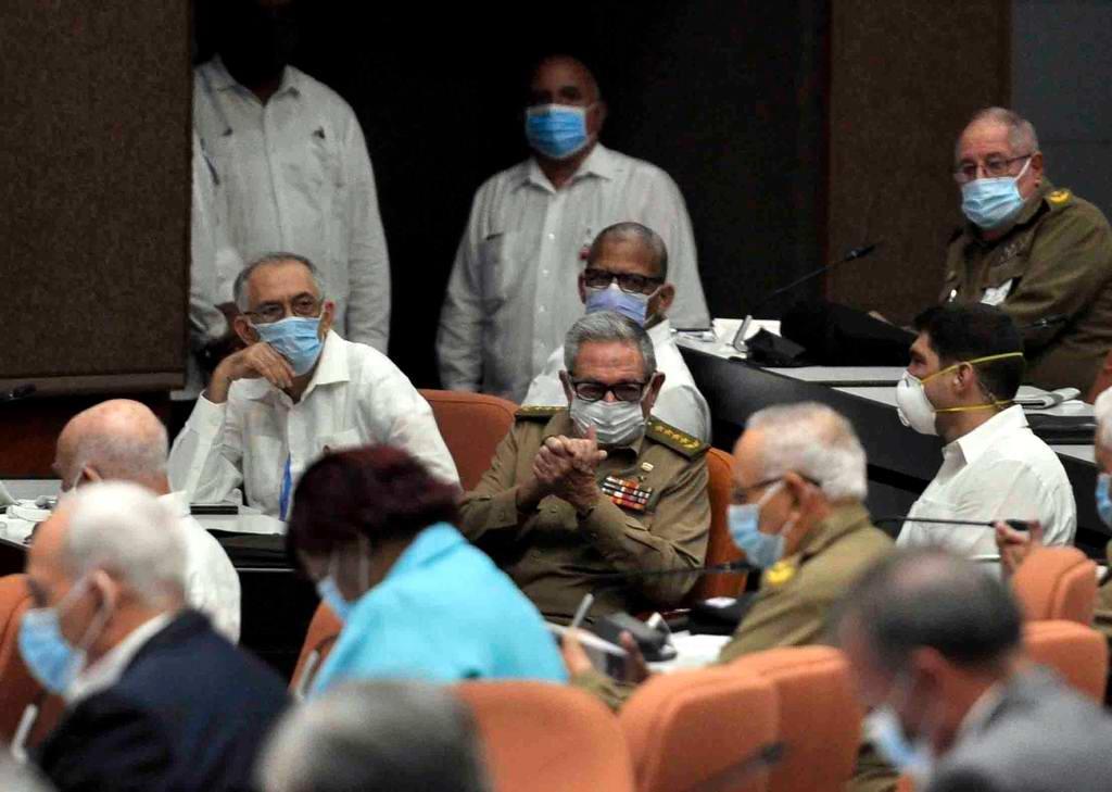 Desde cada uno de los salones en provincia y aunque estábamos distante de La Habana nos emocionamos cuando vimos llegar al plenario al General de Ejército Raúl Castro Ruz