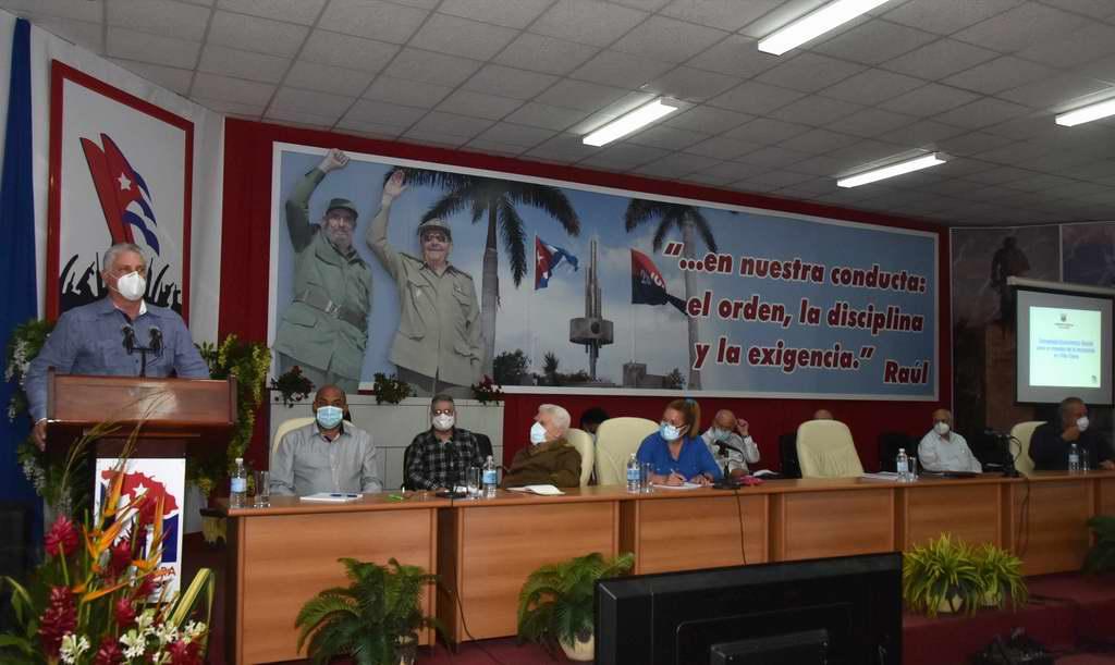 Avanzar juntos para echar hacia adelante Cuba