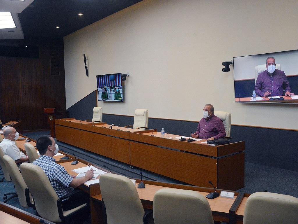 """Primer Ministro: """"Con el apoyo de todos frente a la COVID-19, La Habana se recuperará"""""""