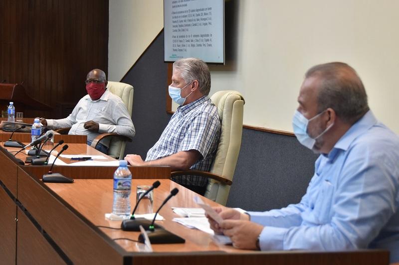 """Díaz-Canel: """"Organización hospitalaria y control de focos, prioridades para vencer a la COVID-19"""""""