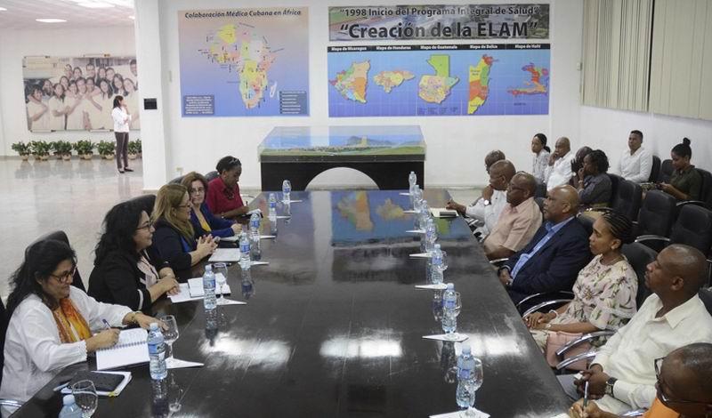 Elogia Rey de Leshoto notables avances de Cuba en el sector de la salud