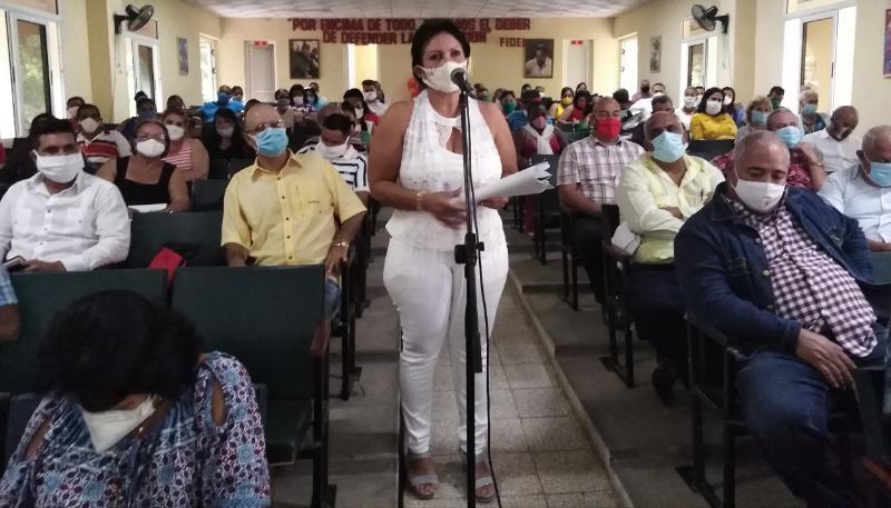 Evalúan en Las Tunas papel del movimiento obrero