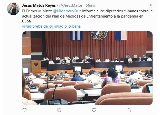 El diputado Manuel MarreroCruz  explica a los diputados a la Asamblea Nacional del PoderPopular la actualización del Plan de medidas de enfrentamiento a la COVID-19