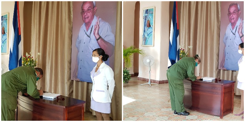 Máximas autoridades Consejo Defensa firman el Libro de Condolencias