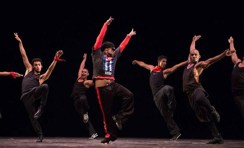 Revolution Invita, espectáculo de lujo en el Teatro Nacional de Cuba