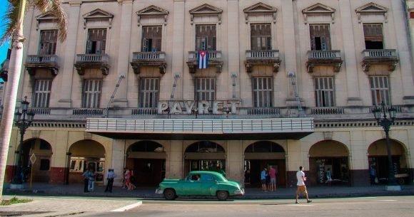Especialistas villaclareños participan en la reparación del capitalino cine Payret