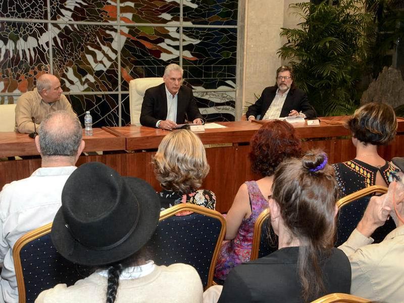 Se reunió Díaz-Canel con integrantes del jurado del Premio Casa de las Américas