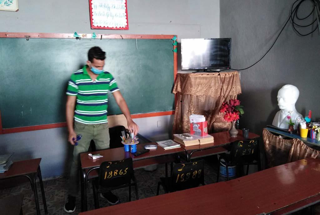 Enarbolando la condición de Destacados, los educadores tuneros volvieron a las aulas (+Audios)