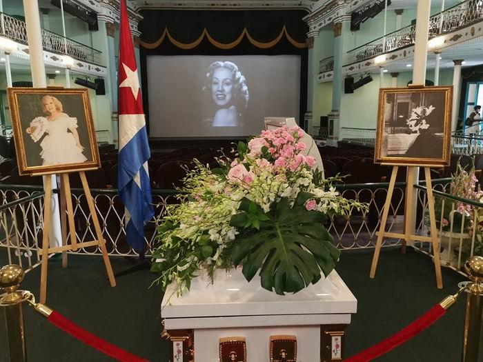 Tributo del pueblo de Cuba a Rosita Fornés, en el Teatro Martí de La Habana