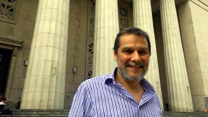 El doctor Guillermo Artana es autor de un estudio sobre el accidente aéreo en el que falleció Carlos Gardel