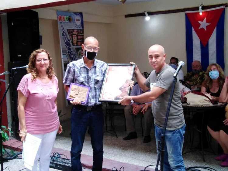 Confieren en Cuba Premio Nacional de Investigación José Manuel Guarch