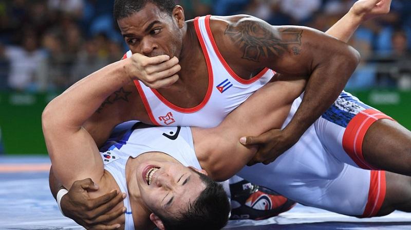 Medallistas mundiales lideran equipo cubano de lucha libre masculina a preolímpico de Ottawa