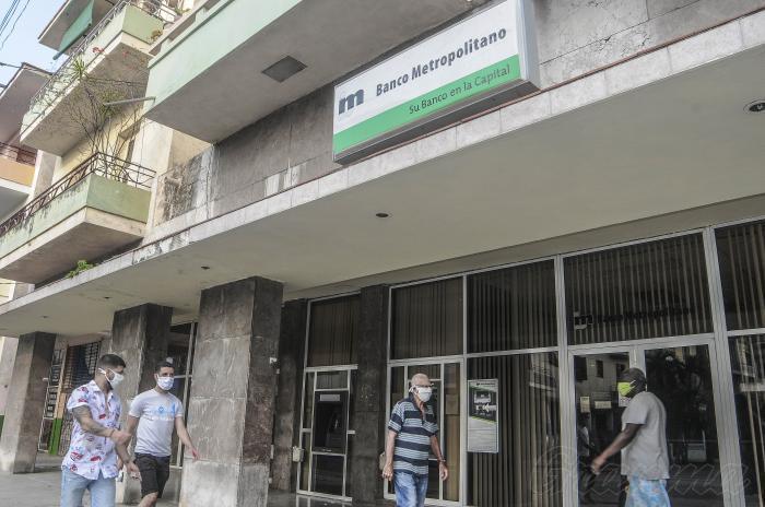 Informa Banco Central de Cuba reducción de horarios ante situación epidemiológica de la capital