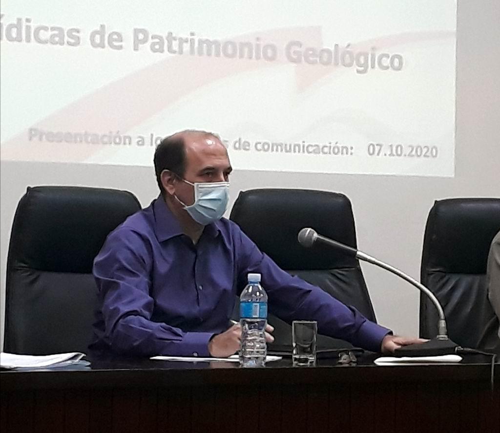 Enrique Castellanos, Director de Geología del Ministerio de Energía y Minas