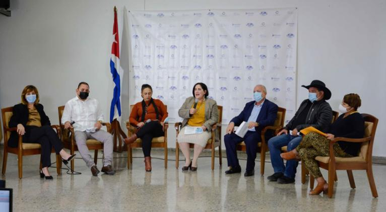 Sesionó foro online sobre las formas de gestión no estatal y el comercio exterior