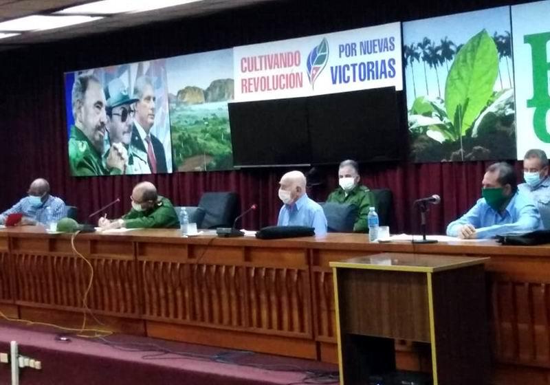 🎧 Chequea Machado Ventura en Pinar del Río programa de producción de alimentos
