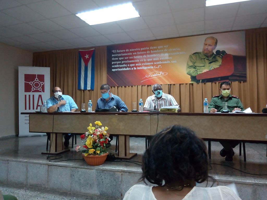 """Salvador Valdés Mesa: """"Vamos a vivir, porque Fidel nos preparó para eso"""""""