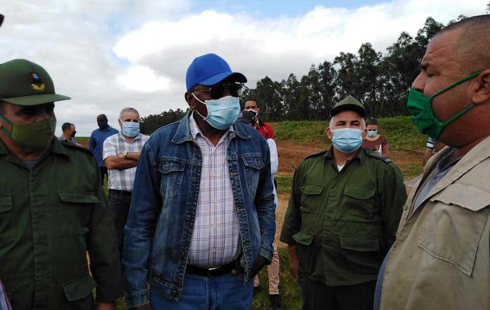 Evalúa vicepresidente cubano programa de autoabastecimiento territorial en Pinar del Río