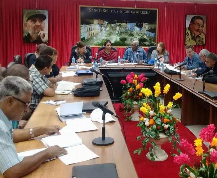 Evalúa Vicepresidente cubano inversiones hidráulicas en Sancti Spíritus